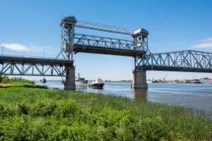 В Астрахани на три часа разведут Старый мост